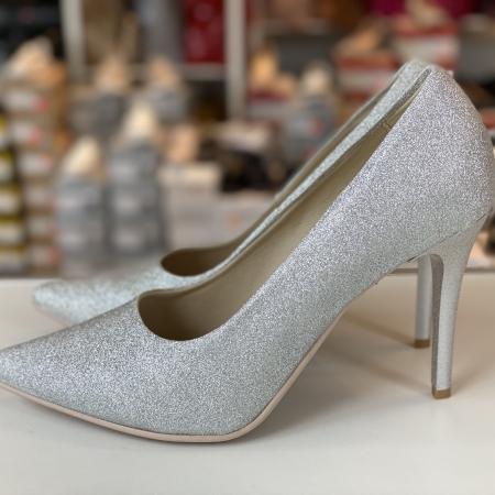 Sädelusega kingad